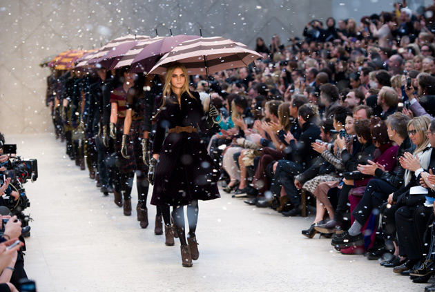 burberry-prorsum-autumn-winter-2012-womenswear-show-finale2