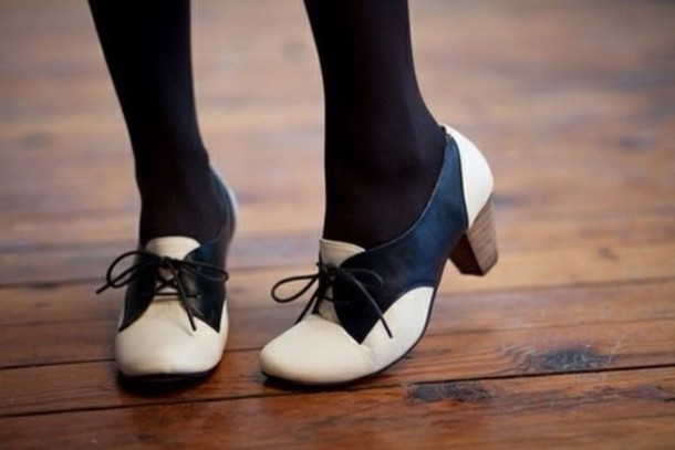 0asrzy-l-610x610-shoes-vintage-retro-high-heels-low-heels-black-and-white